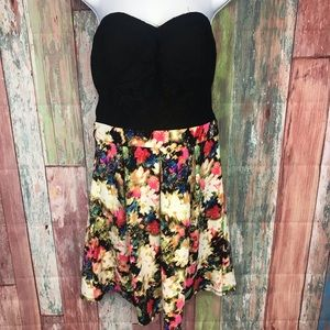 NWOT Beautiful Strapless dress floral